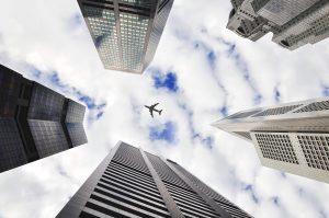 encontre sua viagem imagem ilustrativa aviao voando