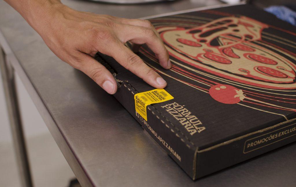 caixa de pizza da Fórmula Pizzaria