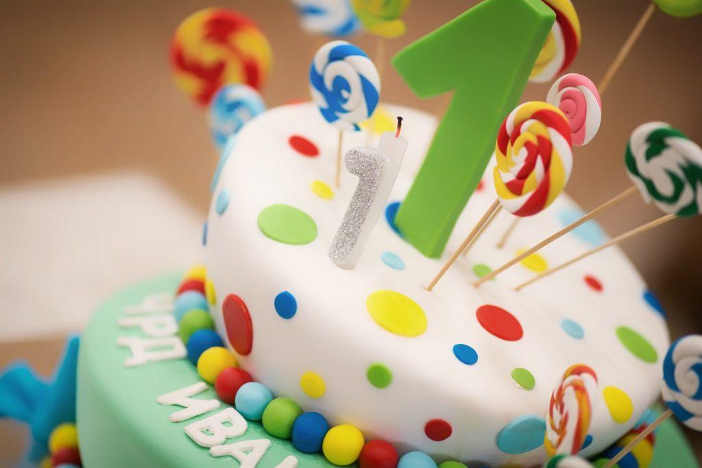 bolo aniversário criança ilustrativo buffet cata-vento