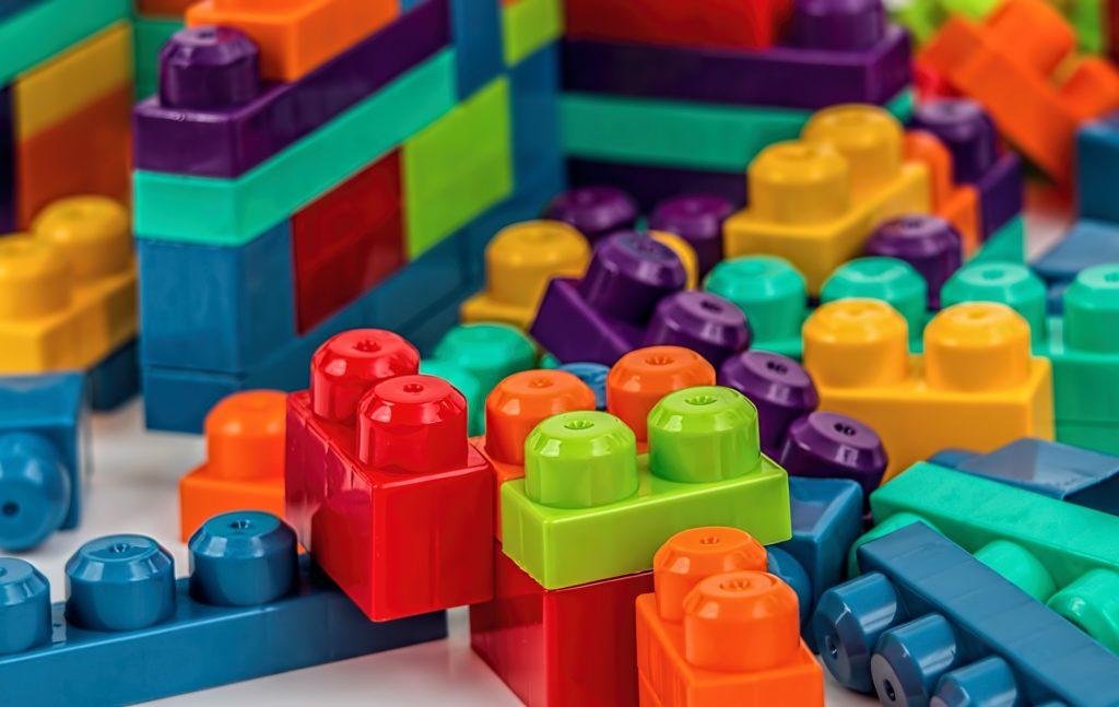 peças lego ilustrativo zastras brinquedos texto franquias para o público infantil