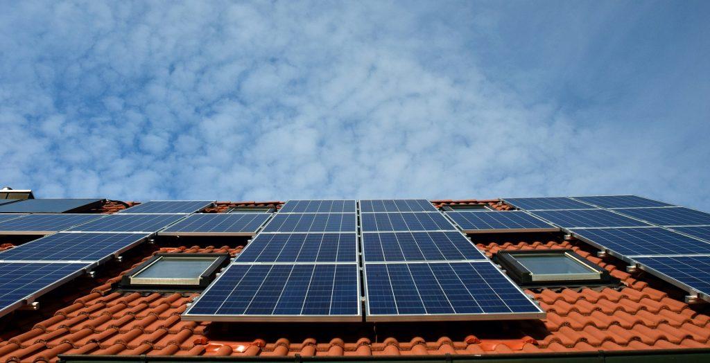 franquias sustentaveis imagem ilustrativa painel solar