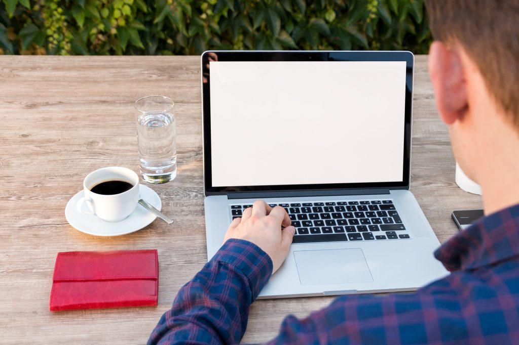 tela de computador trabalho home office