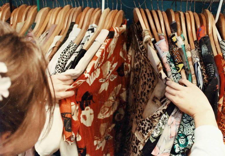 roupas cabide franquias baratas de roupas imagem ilustrativa franquia de roupas