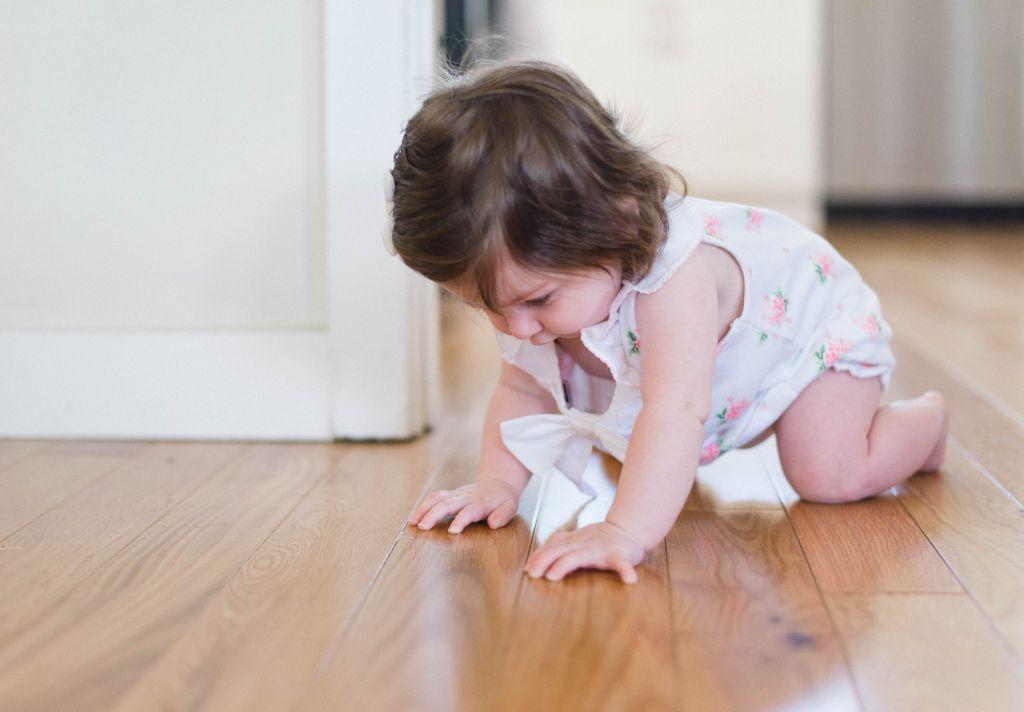 bebê no piso franquias baratas home office