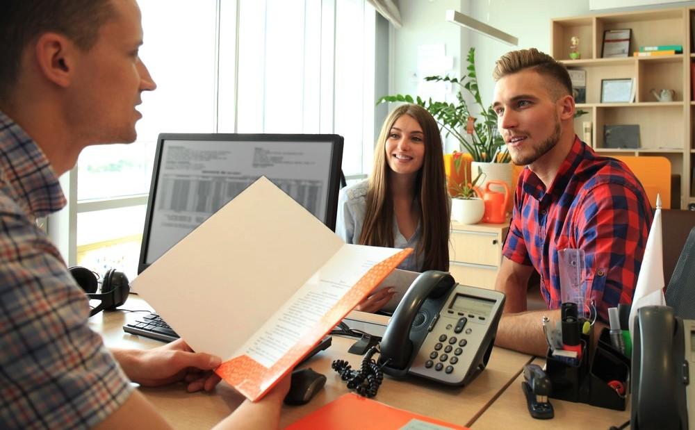 corretor de seguros e clientes
