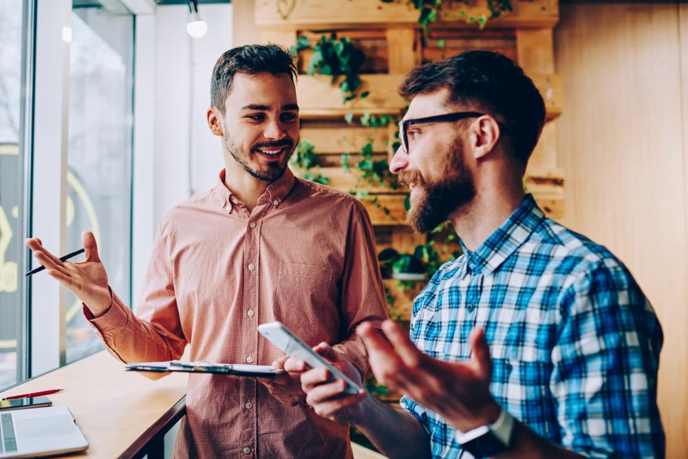 franquia ou negócio proprio homens conversando