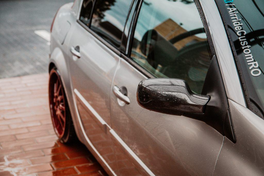 carro sendo lavado opções franquias automotivas